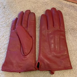 Accessories - Red leather gloves